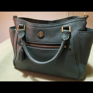 Tory Burch bag (jitney green ) has tag with it